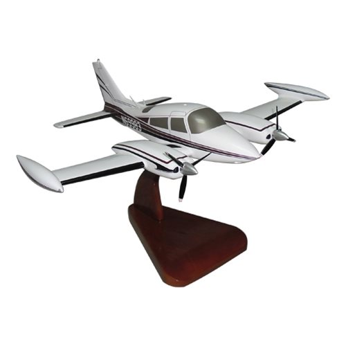 Cessna 310Q Custom Airplane Model  - View 2