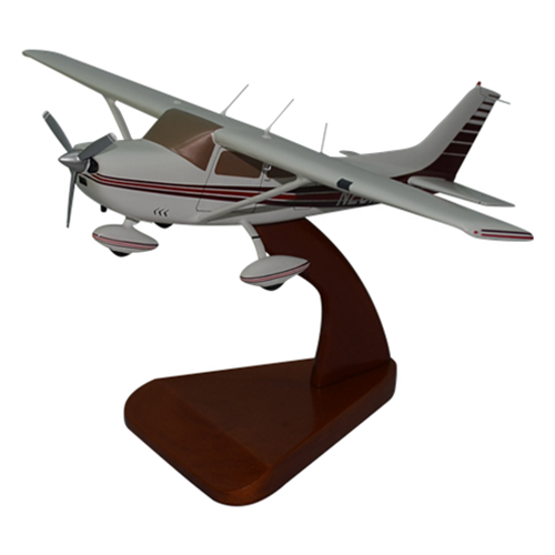 Cessna 182J Skylane Custom Airplane Model