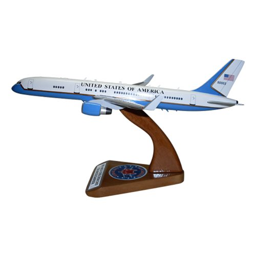 Air Force Two C-32 B757-200 Model  - View 3