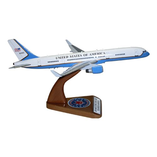 Air Force Two C-32 B757-200 Model  - View 5