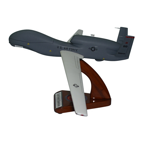 12 RS RQ-4 Global Hawk Model  - View 3